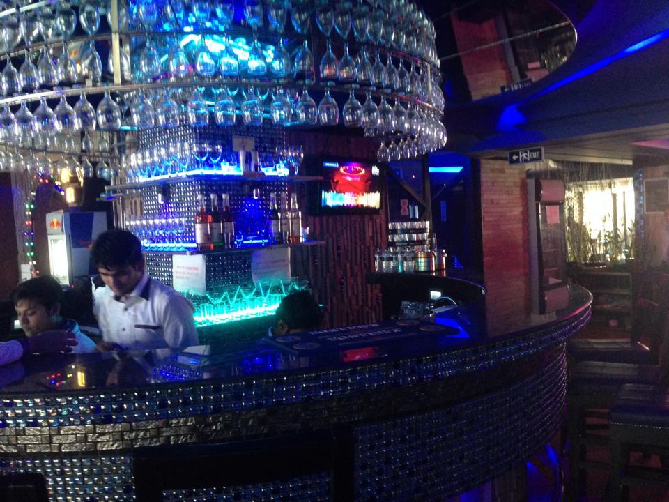 Blue Moon Bar- All Blue Moon Re-creation club informations